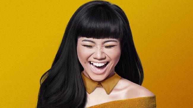 Album kedua Yuri merupakan album pertamanya yang akan dirilis di bawah label independen. Album itu sudah digarap 80 persen.