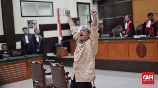 Jonru bebas bersyarat karena telah memenuhi syarat untuk mendapatkan pembebasan karena menjalani dua per tiga masa hukuman sejak ditahan tahun 2017.