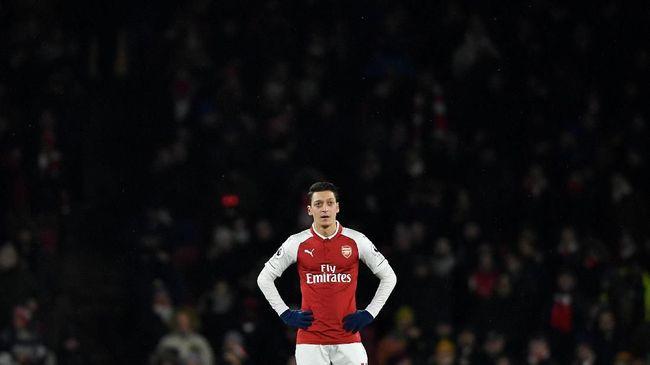 Manajer Arsenal Unai Emery menjelaskan alasannya tidak memainkan Mesut Oezil saat melawat ke markas West Ham United, Sabtu (12/1).