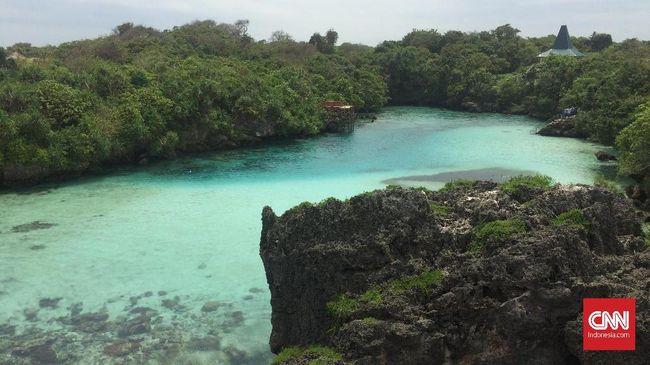 Praktik pungutan liar (pungli) masih terjadi di sejumlah destinasi wisata seperti Tanjung Mareha, Watu Malando, dan Pantai Mbawana