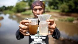 FOTO: Perang dengan Limbah di Sungai Citarum