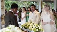 <p>Chicco Jerikho dan Putri Marino melangsungkan pernikahannya secara diam-diam di Bali pada Maret 2018. Mereka hanya mengundang kerabat dan para sahabat dekat. (Foto: Jozz Felix Photography via Instagram @chicco.jerikho)</p>