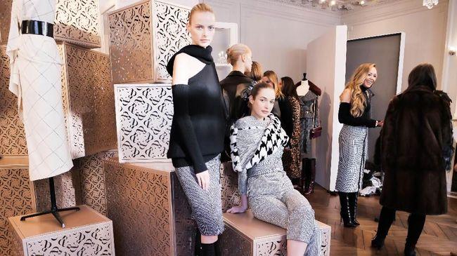 Untuk koleksi siap pakai musim dingin 2018 ini, Tamara Ralph menjadikan gaya hidup perempuan modern sebagai fokus koleksinya.