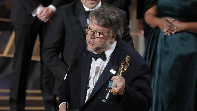 Piala Oscar yang sudah dibagikan di Dolby Theatre, Los Angeles, Minggu (4/3) malam waktu setempat statusnya hanya dipinjamkan kepada para pemenang.