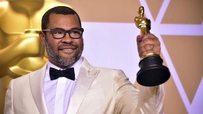 Jordan Peele menjadi sineas kulit hitam pertama yang memenangi Skenario Asli Terbaik, lewat film 'Get Out.' Apakah itu cukup membuat Oscar tahun ini 'berwarna?'