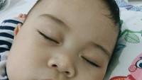 <p>Wajah Kyo dari dekat, pipinya bulat banget nih. (Foto: Instagram/kiranalarasati)</p>