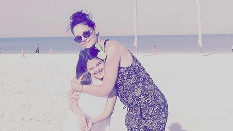 Katie Holmes dan putrinya