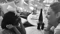<p>Serunya ketika Suri quality time-an sama sang bunda. (Foto: Instagram/ @katieholmes212)</p>