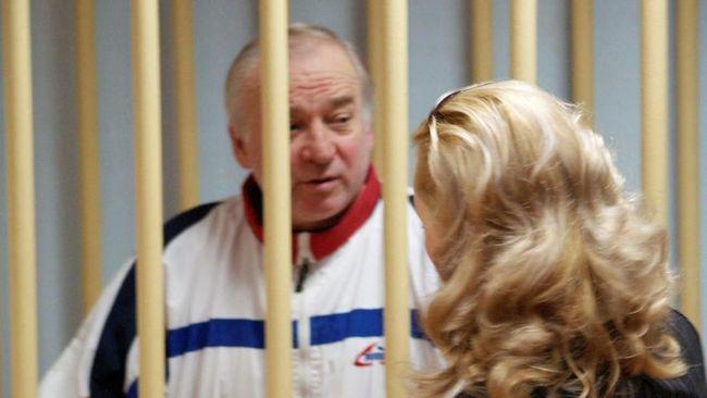 Dua warga Rusia sangkal tuduhan Inggris mereka pelaku upaya meracun mata-mata Rusia Sergei Skripal dan puterinya dengan zat saraf Nofichok.