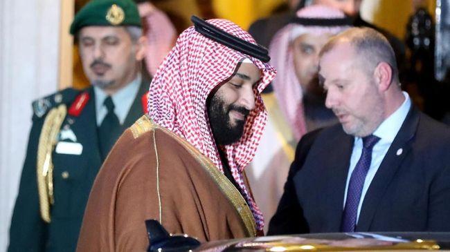 Arab Saudi merilis video yang diklaim menunjukkan Pangeran Mohammed bin Salman sedang berkegiatan, di tengah spekulasi menyusul insiden penembakan dekat istana.