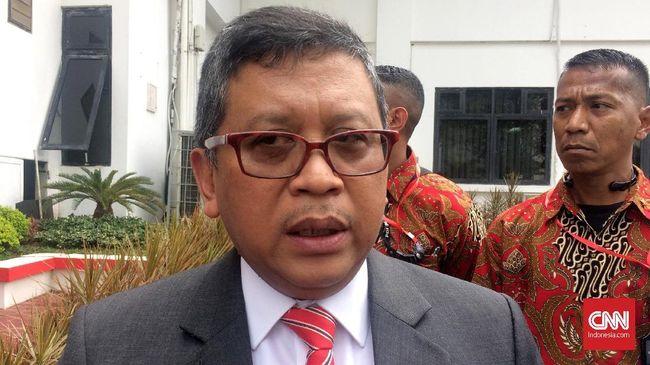 Keterlambatan Sekjen PDIP Hasto Kristiyanto sempat menuai pertanyaan, karena 2 stafnya ditangkap KPK dan kantor DPP PDIP juga didatangi penyidik KPK.