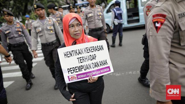 Hari Anti Kekerasan Terhadap Perempuan diperingati setiap 25 November. Peringatan diisi dengan kampanye selama 16 hari ke depan.