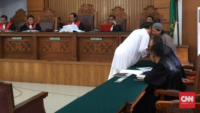 Dalam nota pembelaan atau pleidoi, kuasa hukum JAD menyatakan aksi terorisme yang dilakukan anggota JAD dilakukan tanpa sepengetahuan organisasi.