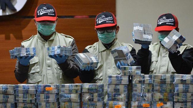 Ketua DPD Partai Gerindra Lampung Gunadi Ibrahim mengaku menerima uang sebesar Rp1,5 miliar dari Bupati nonaktif Lampung Tengah Mustafa.