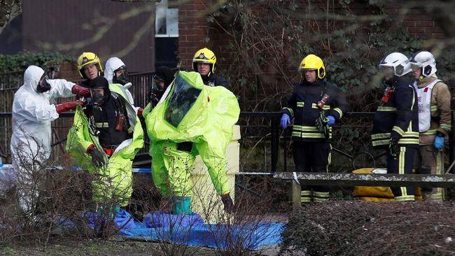 Novichok adalah gas saraf yang digunakan untuk menyerang eks-mata-mata Rusia, Sergei Skripal dan putrinya Yulia di Salesbury, Inggris, Maret lalu.