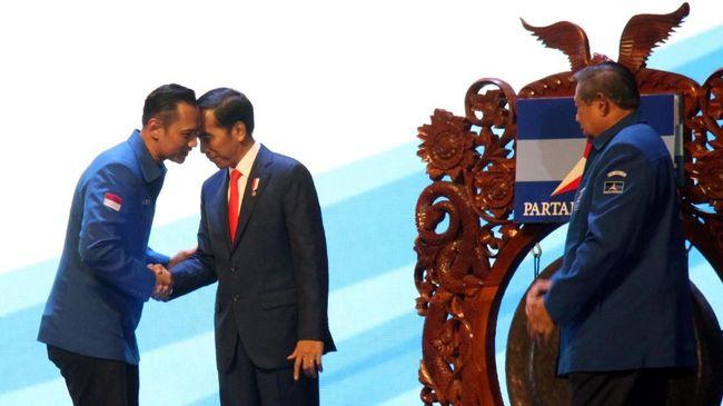 Ketakutan jelang Kongres dan berharap ada kursi menteri untuk AHY membuat Demokrat dinilai setengah hati mengkritik Jokowi-Ma'ruf Amin