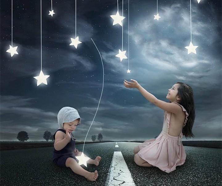 <p>Wah! Bintang-bintang begitu dekat, bahkan bisa dipegang. Keren banget. (Foto: Instagram @the_life_of_aivax)</p>