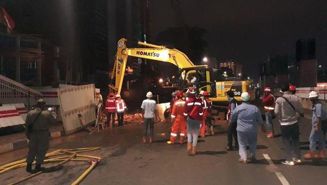 Polisi menyelidiki penyebab kebocoran pipa gas di Cakung, Jakarta Timur. Tiga saksi dimintasi keterangan terkait kejadian tersebut.