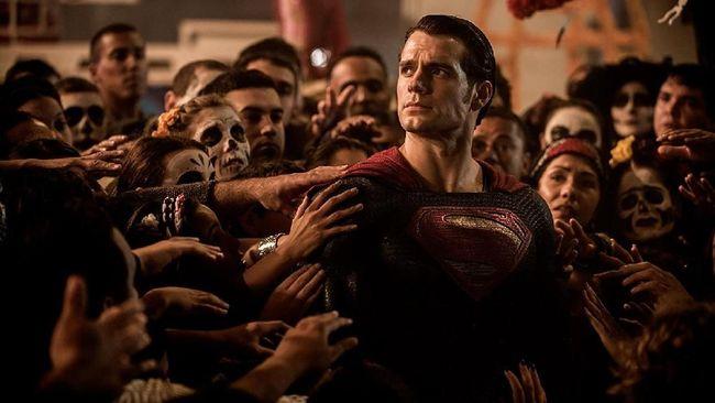 Henry Cavill sepertinya tak akan membintangi film DC berikutnya, 'Shazam' dengan berbagai alasan.