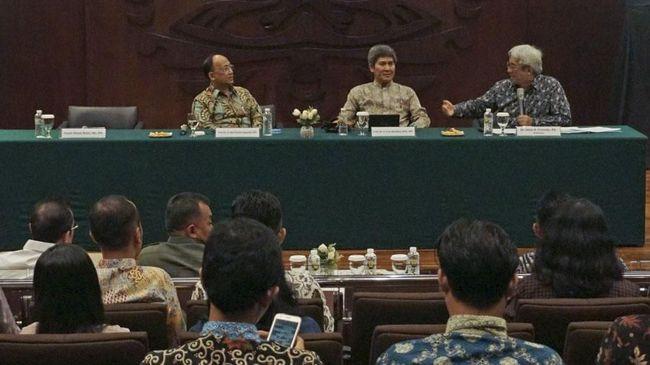 Dari situasi politik China hingga persenjataan Rusia, semuanya berpengaruh terhadap eksistensi, keamanan dan kesejahteraan Indonesia.
