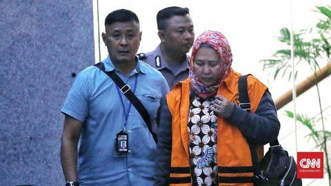 Belum Utuh Setor Suap, Hakim PN Tangerang Sempat Tunda Sidang