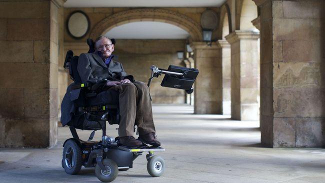 Kursi Roda dan Barang Stephen Hawking Dilelang, Raup Rp34,6 M