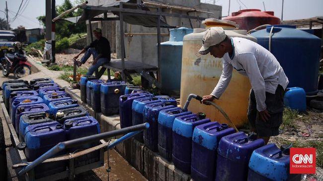 Peraturan penggunaan air tanah dan sanksi pelanggarannya sudah ada sejak 1998 lewat Perda Nomor 10. Belakangan Pemprov DKI gencar melakukan sidak.