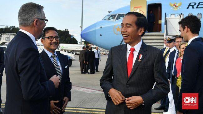 Presiden Jokowi mengatakan dirinya kerap mencuri waktu untuk tidur untuk tetap menjaga kesehatan di tengah jadwalnya yang padat.