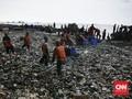 Cerita Makan Enak Warga Pemungut Sampah di Pesisir Jakarta