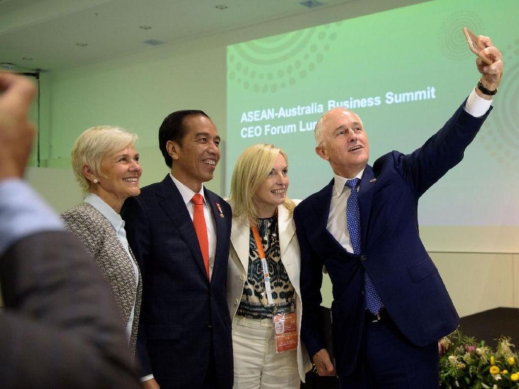 Foto: Saat Malcolm Turnbull 'Ketagihan' Selfie dengan Jokowi