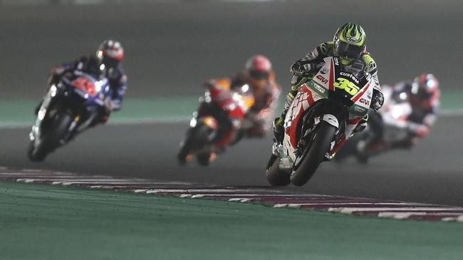 Pebalap Tech3 Yamaha Johann Zarco membuat kejutan dengan meraih pole balapan MotoGP Qatar 2018 yang akan digelar di Sirkuit Internasional Losail, Minggu (18/3).