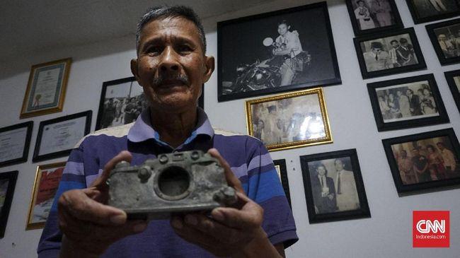 Kamera Leica IIIF yang dipakai mendokumentasikan KAA pertama pada 1955, sebelumnya ditemukan di belakang tangki air pemilik James Press Photo.