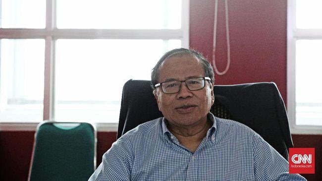 Ekonom Rizal Ramli meminta Presiden Joko Widodo untuk memberhentikan Menteri Perdagangan Enggartiasto Lukita karena dianggap mengganggu ekonomi Indonesia.
