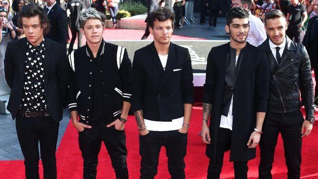 Nama boyband One Direction merajai topik tren di Twitter pada Kamis (23/7), bertepatan dengan perayaan ulang tahun mereka yang ke-10.