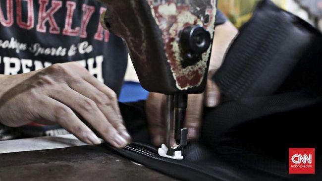 Pemerintah akan fokus mendorong penyaluran KUR secara kelompok untuk mempermudah calon nasabah memperoleh kredit perbankan.