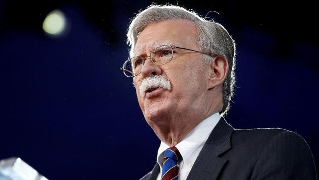 Penasihat Keamanan Nasional AS, John Bolton, mengklaim Iran dalang sabotase dua tanker Arab Saudi tanpa memberi bukti.