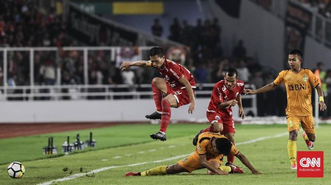 Persija Jakarta harus rela menyerah 0-2 dari Madura United pada lanjutan Liga 1 2018 di Stadion Utama Gelora Bung Karno, Jakarta, Sabtu (12/5).