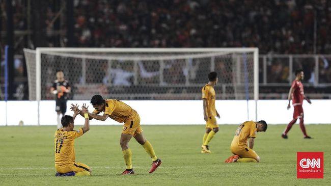 Perubahan terjadi di puncak klasemen Liga 1 2018 setelah Bhayangkara FC menggeser Persib Bandung berkat kemenangan 1-0 atas Perseru Serui.