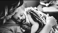 <p>Hayo, siapa Bunda yang kangen memeluk si kecil ketika tidur kayak gini? (Foto: Instagram/ @stephwoodwardphotos) </p>