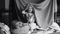 <p>Foto-foto ini merupakan hasil jepretan ibu dua anak Stephanie Woodward yang juga seorang fotografer. Menurut dia, keseharian sebagai seorang ibu bisa jadi sebuah kenangan manis yang membuat kita rindu. (Foto: Instagram/ @stephwoodwardphotos) </p>