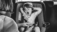 <p>Ingat kapan pertama kali Bunda atau Ayah memakaikan car seat si kecil? (Foto: Instagram/ @stephwoodwardphotos) </p>