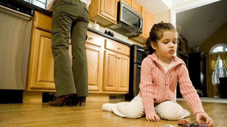Orang tua pasti ingin membelikan beragam mainan untuk si kecil. Karena enggak sadar, kadang mainan anak sampai bertumpuk deh.