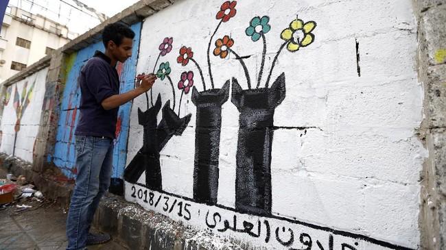 Penduduk kota Sanaa, Yaman, mengisahkan harapan mereka akan perdamaian di negeri itu yang telah dimulai sejak 2010 segera berakhir.