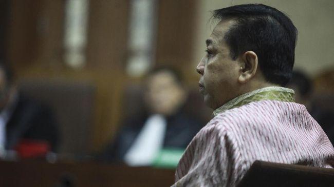 Pengamat politik dari Esposit Strategic Arif Susanto mengatakan kasus Setya Novanto harus jadi preseden terakhir saat elit menghalangi upaya hukum.