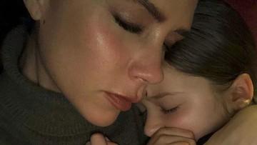 Nyamannya Harper dalam Pelukan sang Bunda, Victoria Beckham
