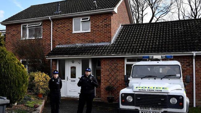 Kepolisian Inggris merilis rekaman video dua tersangka yang diduga meracuni mantan agen ganda Rusia, Sergei Skripal, di Salisbury pada Maret lalu.