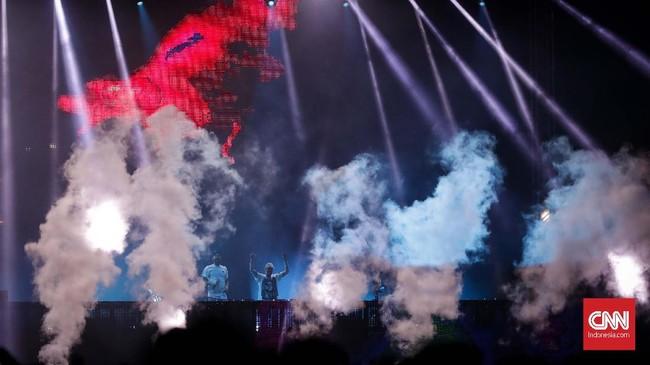 Untuk ketiga kalinya, The Chainsmokers kembali menghibur para fan di Indonesia.