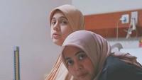 <p>Gina juga didampingi sang doula, Jamilatus Sadiyah. (Foto: Instagram/ @missnyctagina)</p>
