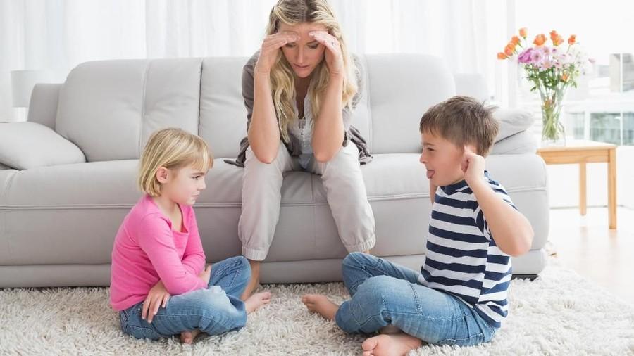Curhat Ibu Soal Sibling Rivalry yang Dianggap Sudah Tak Wajar