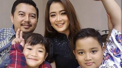 Pejuang LDR, Intip Tips Jaga Pernikahan ala Vega Darwanti